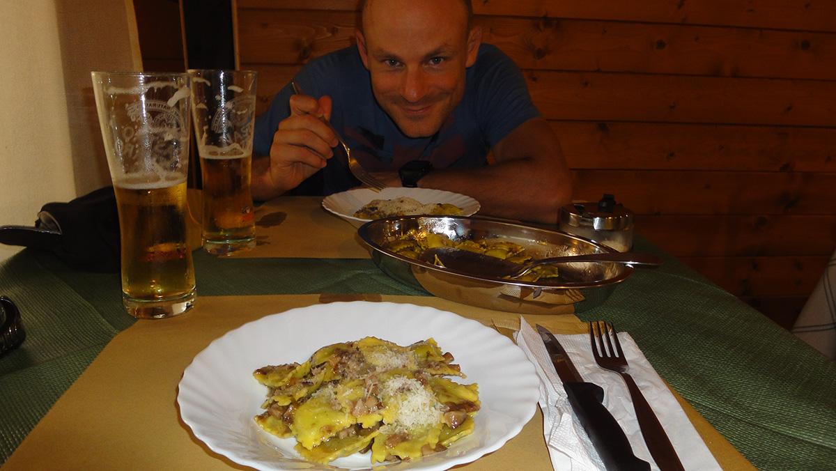 leckeres Abendessen am Campeggio Oasi Cocchiola