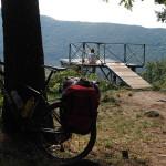 sehr nette Aussichtsplattform über dem Lago di Vico