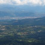 Ausblick über das weite Tal des Aterno