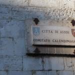 erste Sonnenstrahlen auf Assisi