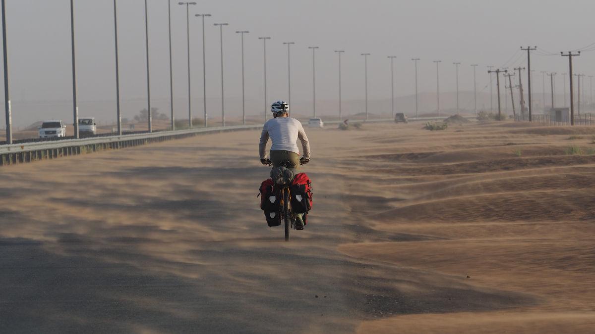 unterwegs auf der E55 durch die Wüste