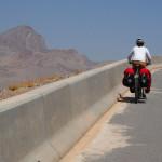 auf zum 1.200m hohen Pass Richtung Oase Wadi Al Ala'