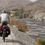auf der Sohar-Yanqul Road (Nr. 8) nach Ghadifah Al Jadeed