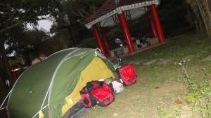 unser Not-Zeltplatz in Xuhai (Foto vom nächsten Morgen)