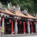 beeindruckende Tempelanlagen inmitten der Lion's Head Mountain Scenic Area