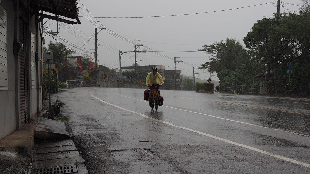 bei kräftigem Regen weiter nach Richtung Changbin und Chenggong