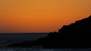 Sonnenuntergang am Strand beim Happy Panda Camping Resort/Baisha