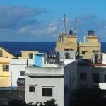 typisch: Wasser-Speicher auf Häuserdächern