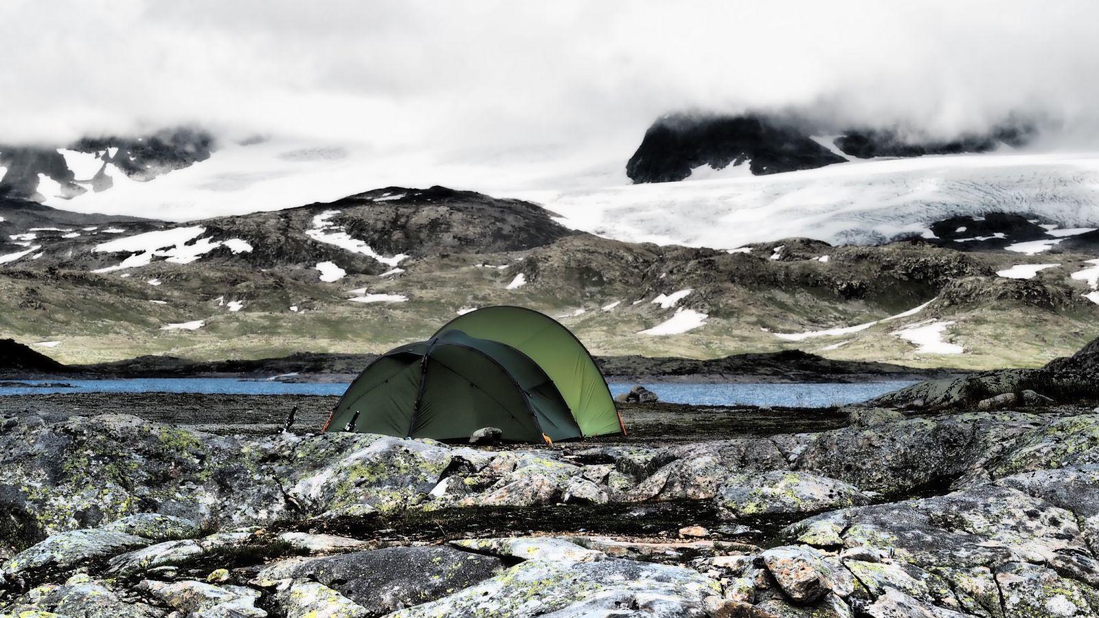 Die Zeltnächte in den Bergen sind frisch und einsam