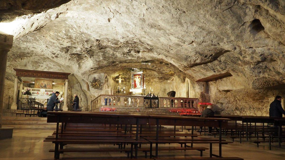 Monte Sant'Angelo: Grottenkirche San Michele