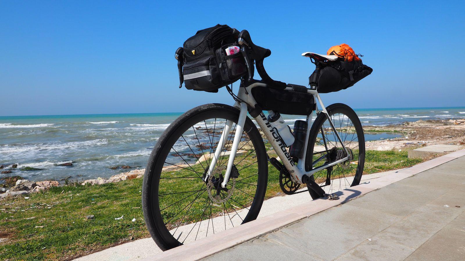 Rennradreisen mit Topeak Bikepacking-Taschen
