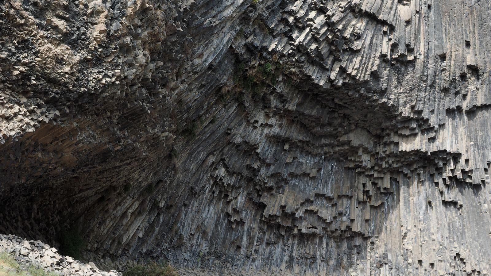 Radreise Armenien - Basaltsäulen bei Garni