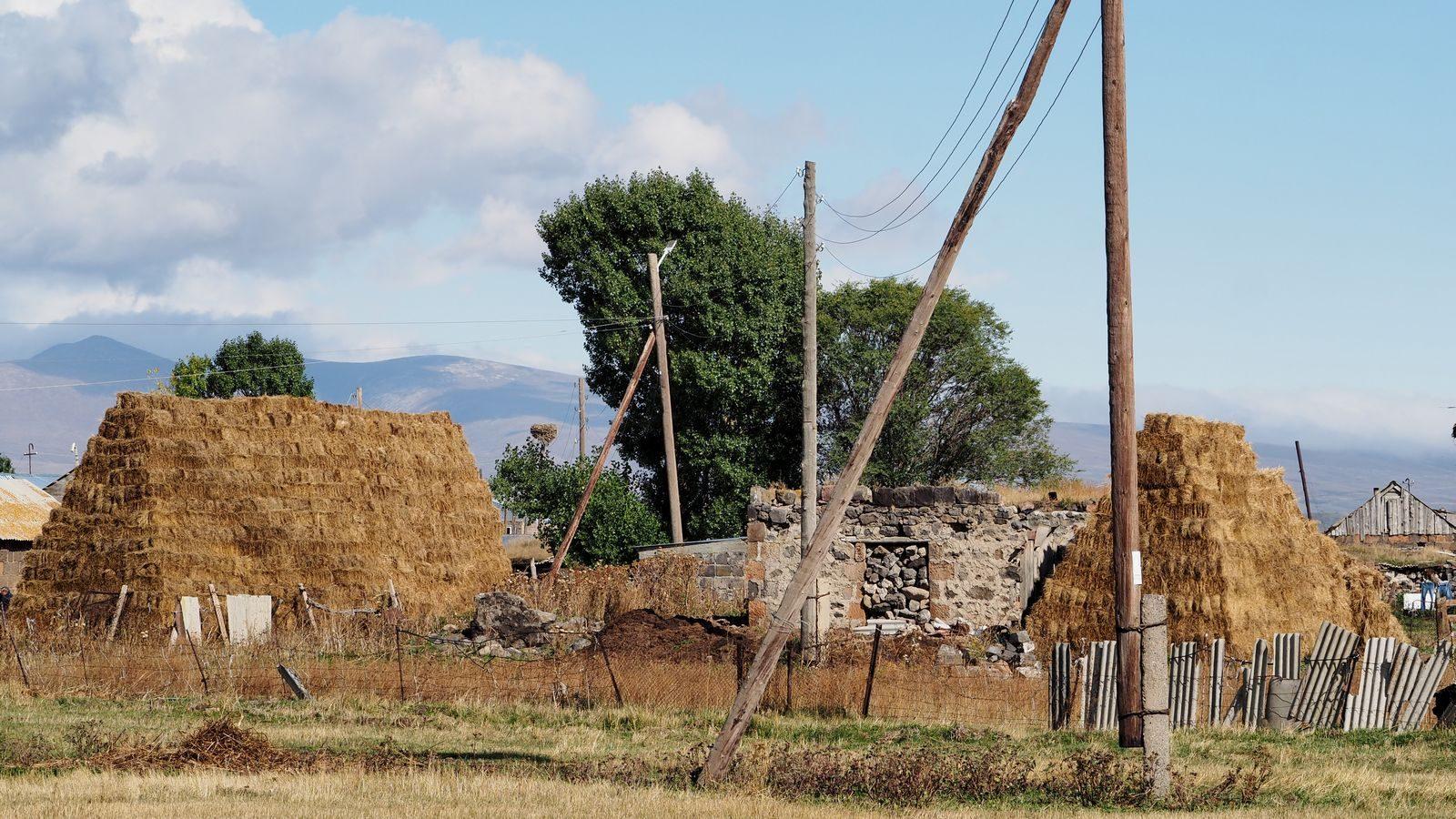 Radreise Armenien - Siedlung beim Arpi-See