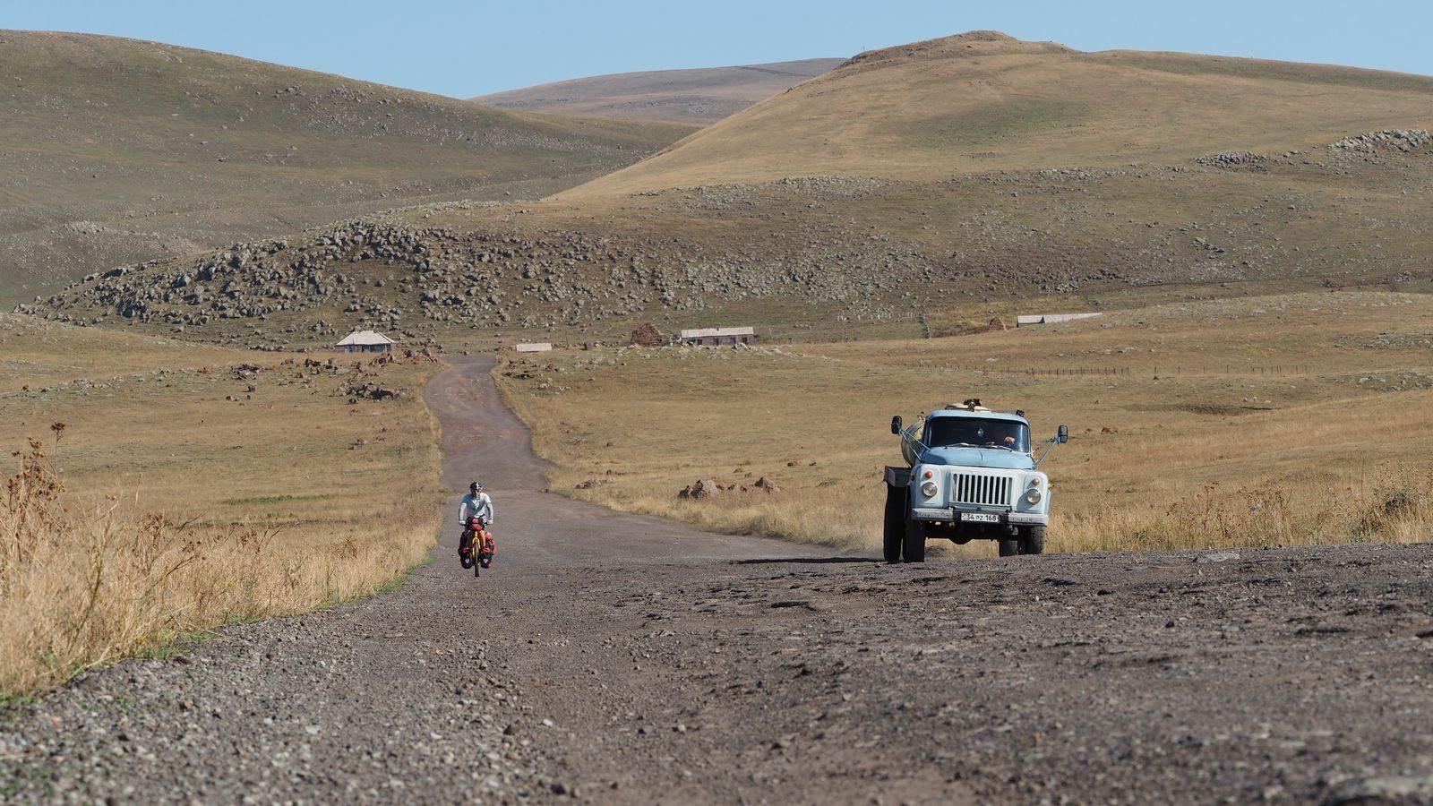 Radreise Armenien - entlang des Arpi-Sees