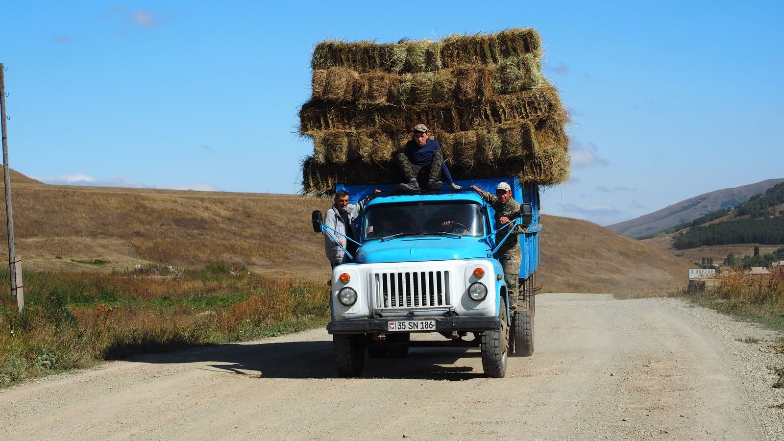 Radreise Armenien - Heu-Ernte bei Bashgyugh