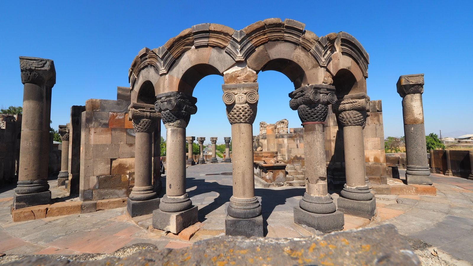 Radreise Armenien - Zvartnots UNESCO-Weltkulturerbe