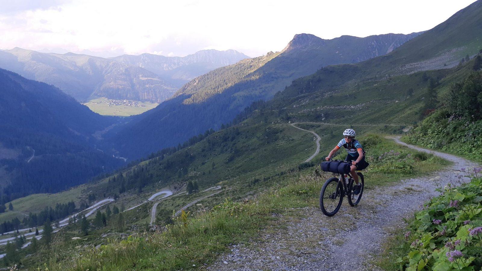 Bikepacking Karnische Alpen - Auffahrt Porzehütte Tilliacher Joch